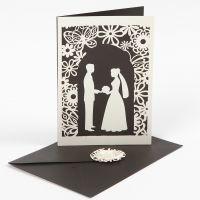 Einladung zur Hochzeit mit Stanzdesign und Spitzenmotiv