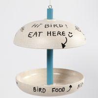 Vogelfutter-Station aus Bambusfaser, bemalt mit Plus Color Bastelfarbe