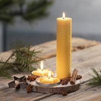 Aus natürlichem Bienenwachs selbstgemachte Kerzen