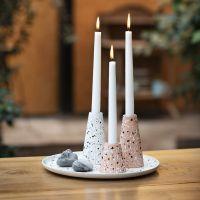 Tablett und Kerzenständer aus Bambusfasern, verziert mit Terrazzo-Flocken