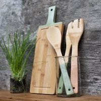 Küchenutensilien aus Bambus, bemalt mit Plus Color-Bastelfarbe