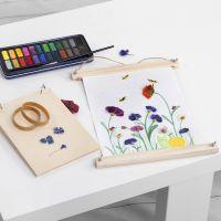 Aquarellbilder mit gemalten und gepressten echten Blumen
