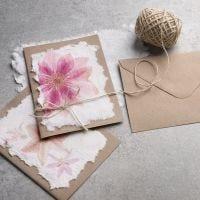 Handgeschöpftes Papier mit Servietten-Design